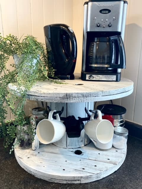 Spindle coffee station