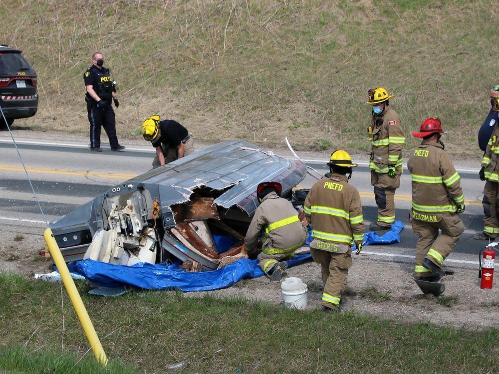 'Like a bomb going off': SUV crashes into boat trailer near Petrolia